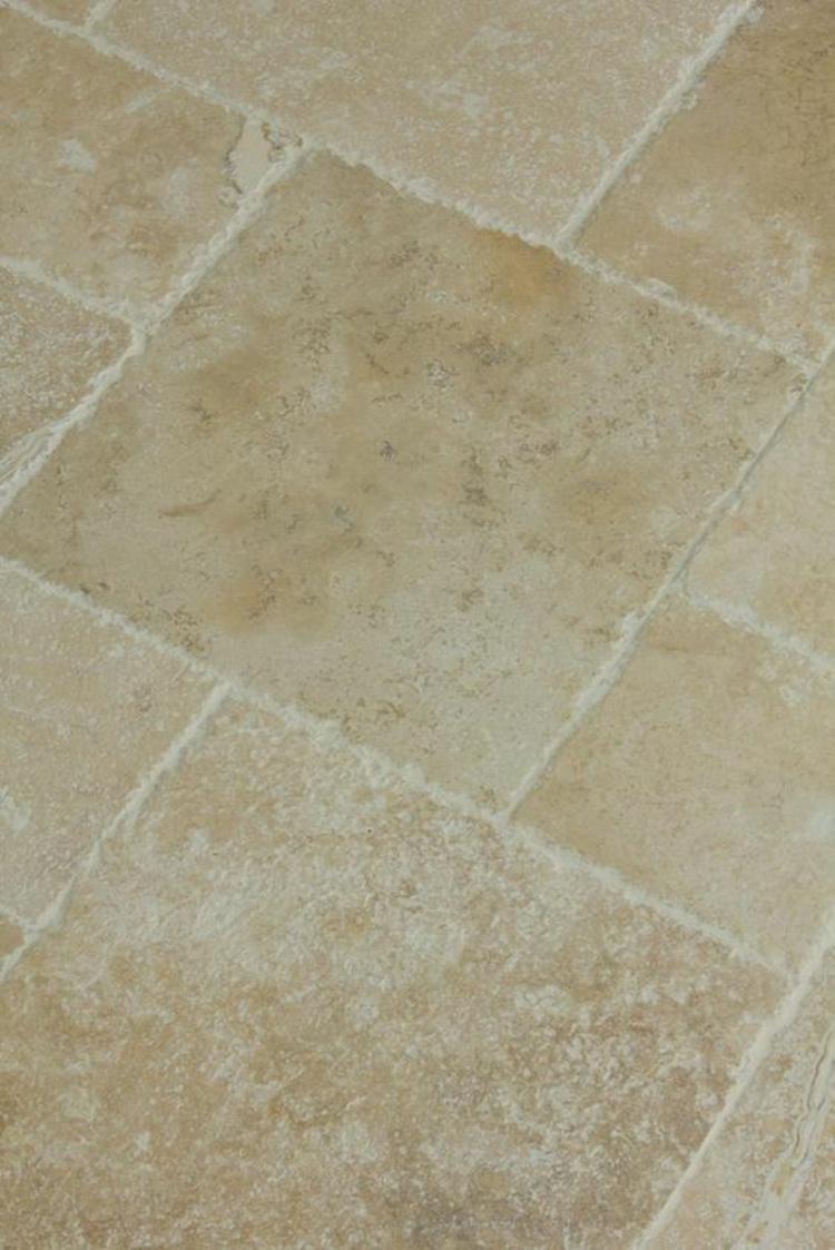 Travertin Fliesen im Badezimmer: Gestaltungsmöglichkeiten mit ...