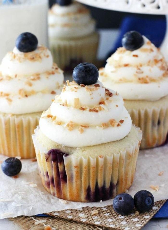 Blaubeeren Cupcakes Rezepte Törtchen backen für Anfänger