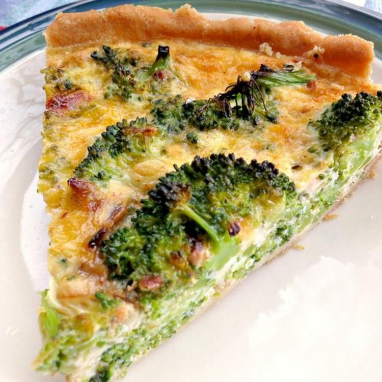 Brokkoli Quiche Rezept ein Stück Quiche vegetarisch