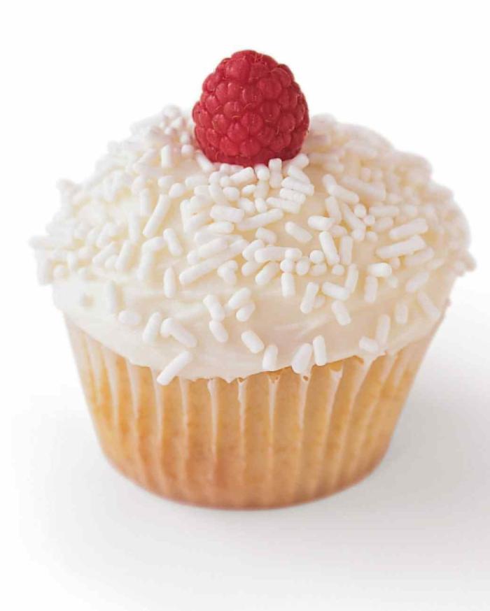 Cupcakes Rezepte Himbeer Törtchen backen für Anfänger