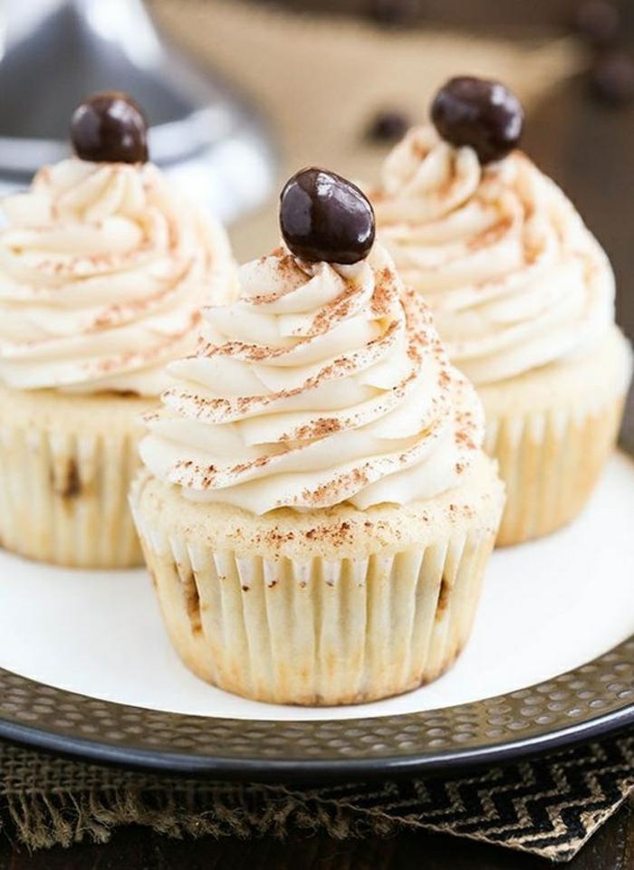 Cupcakes Rezepte Törtchen backen für Anfänger Sahne Zimt