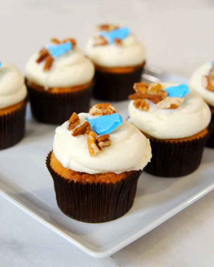 Cupcakes Topping Rezept Törtchen backen mit Walnüssen