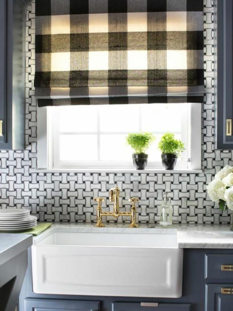 Fensterdeko Ideen Küche Zimmerpflanzen Fensterrollo karriert