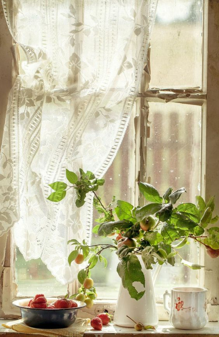 Fensterdeko Ideen Küche Zimmerpflanzen Schnittblumen Äpfel
