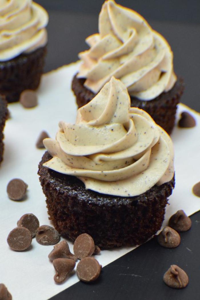 Kaffeegeschmack Sahne Cupcakes Rezepte Törtchen backen für Anfänger