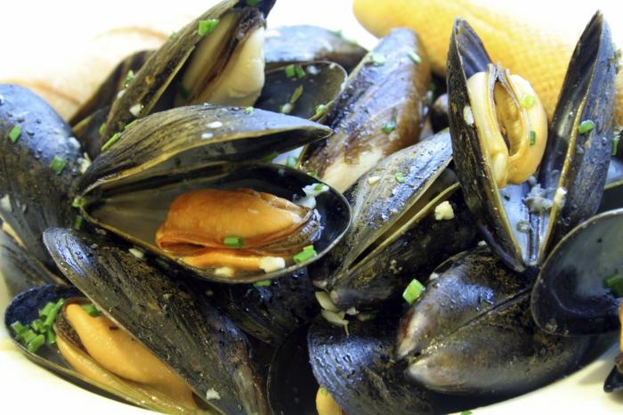 Muscheln kochen italienisch schwarz mercado rezepte lauch