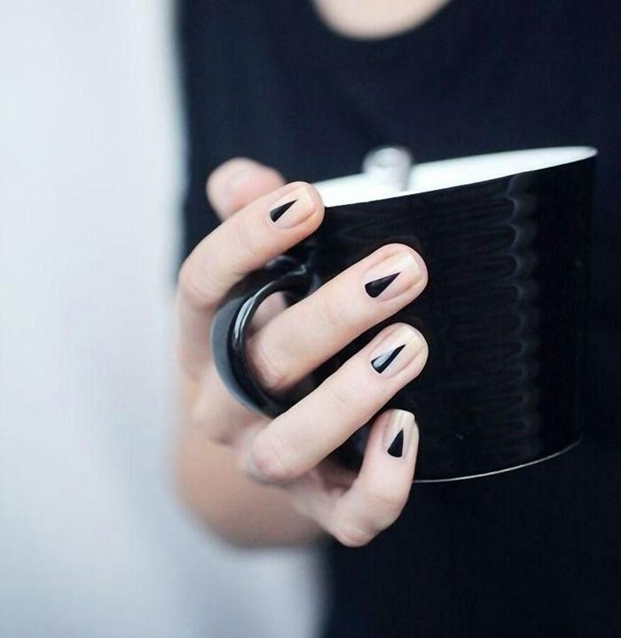 Nageldesign Bilder Fingernägel Trends geometrische Elemente