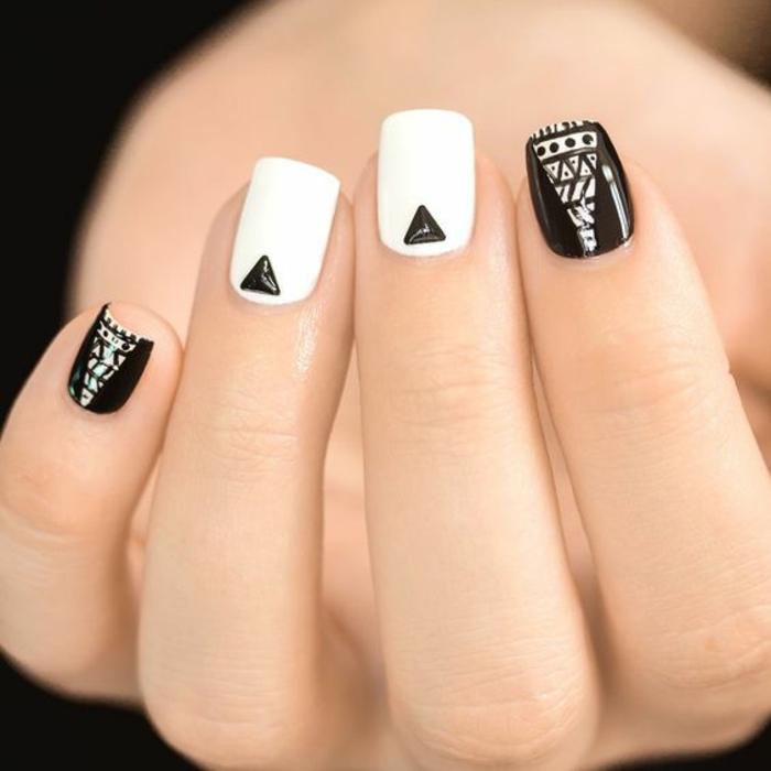 Nageldesign Bilder Fingernägel Trends schwarz weiß Dreiecken