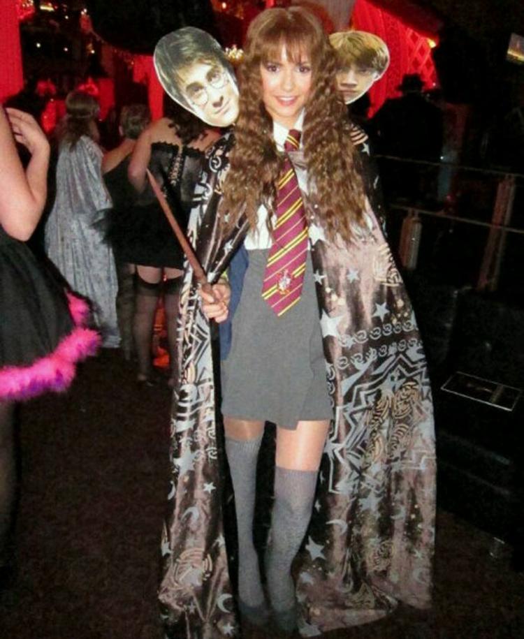 Nina Dobrev Harry Potter Fan Bilder