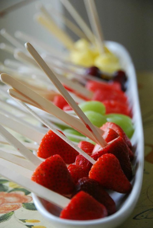 Partysnacks Rezepte Spieße vegan Fruchtsorten Beeren
