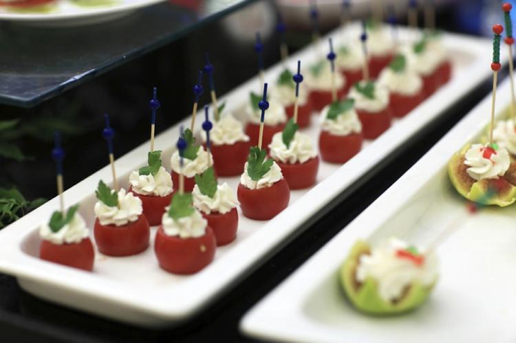 Partysnacks Rezepte gefüllte Tomaten Finger Food schnell