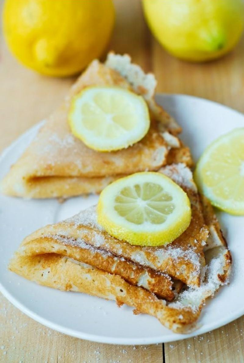 Pfannkuchenteig Grundrezept mit Zitrone