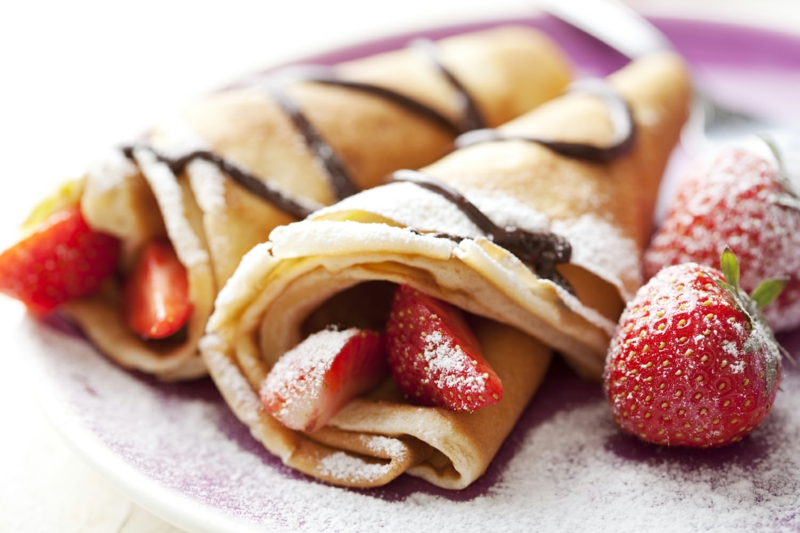Pfannkuchenteig Rezept Pfannkucken mit Erdbeeren und Schokolade