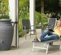 Regentonnen sorgen für eine umweltfreundliche Bewässerung im Garten