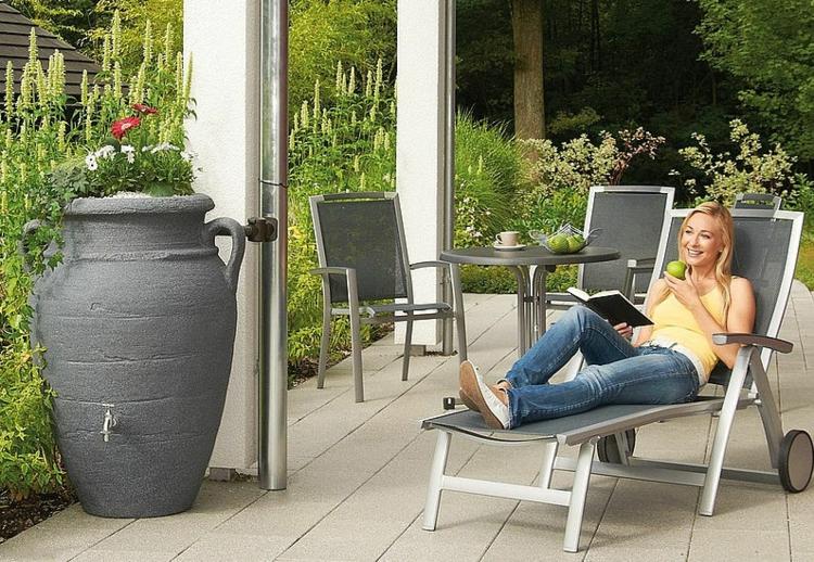 regentonnen sorgen f r eine umweltfreundliche bew sserung im garten. Black Bedroom Furniture Sets. Home Design Ideas