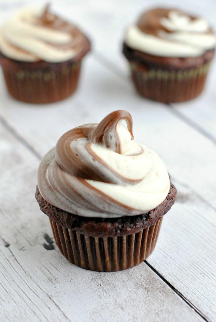Sahne Topping Cupcakes Rezept leckere Törtchen selber backen