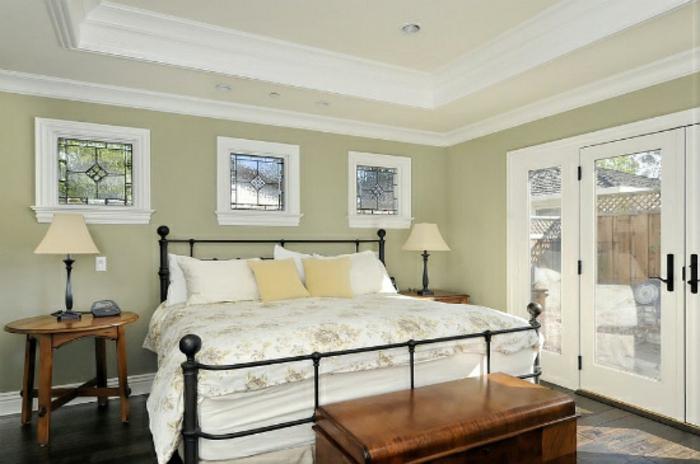 Schlafzimmer Ideen im viktorianischen Stil Bett Holzmöbel