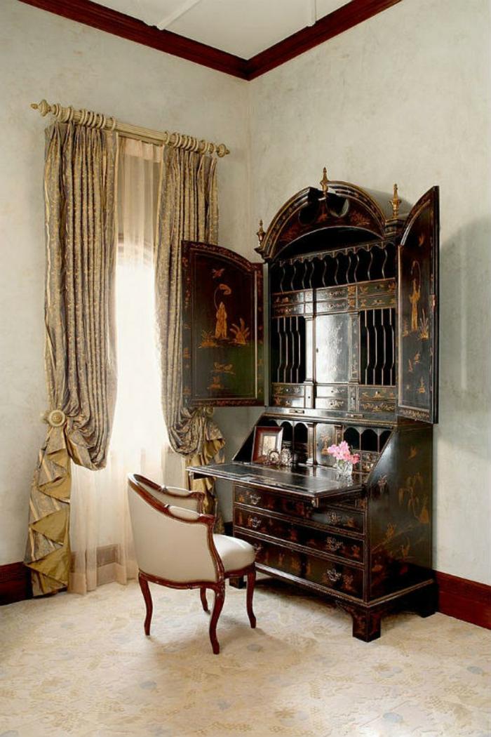 Schlafzimmer einrichten Einrichtungsbeispiele im viktorianischen Stil antike Möbel