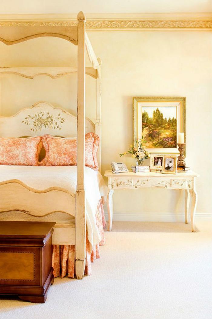 Schlafzimmer einrichten mit Himmelbett im viktorianischen Stil antike Möbel
