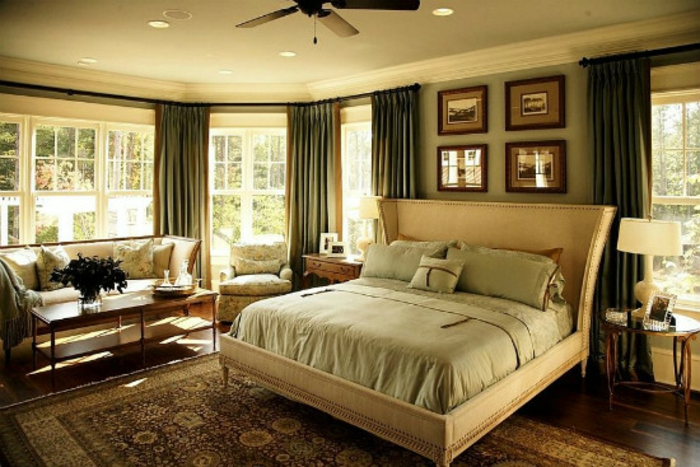 Schlafzimmer gestalten Einrichtungsbeispiele im viktorianischen Stil antike Möbel