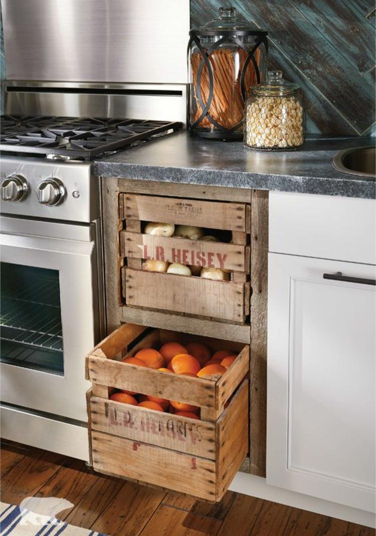 Wohnung einrichten Küchenmöbel Holzkisten für Obst und Gemüse