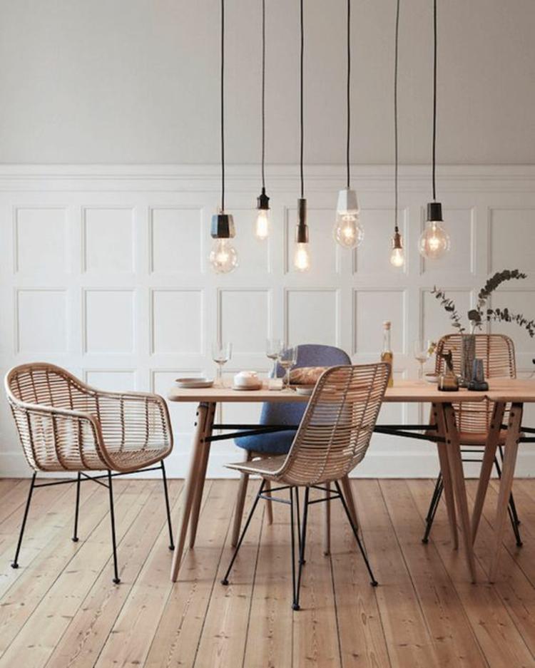 Wohnung einrichten Tipps Holz Esstisch Rattanstühle Pendelleuchten