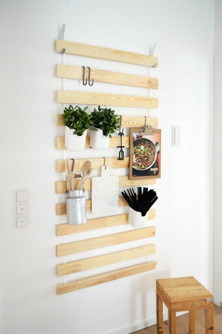 Wohnung einrichten Tipps Wandbrett Holz Zimmerpflanzen aufhängen