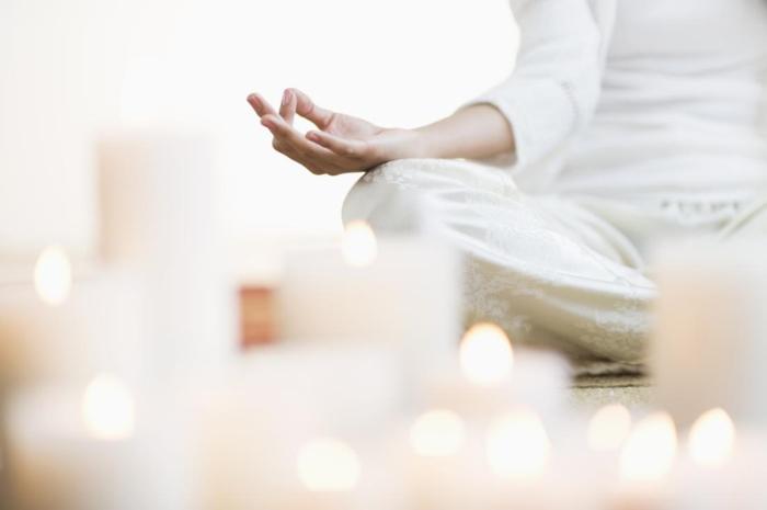 besser schlafen meditation entspannungstechniken yoga