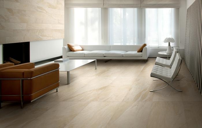 bodenbelag wohnzimmer helle bodenfliesen retro sessel weißes sofa