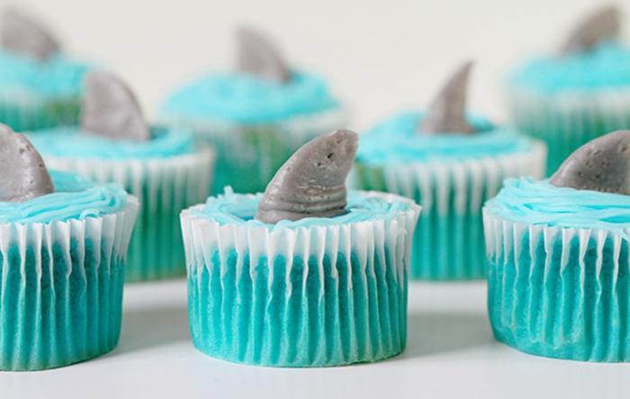 cupcake deco ideen haifische flosse design party tischdeko