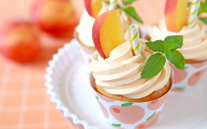 cupcake deco ideen sommerparty gartenparty minze sahne pfirsiche