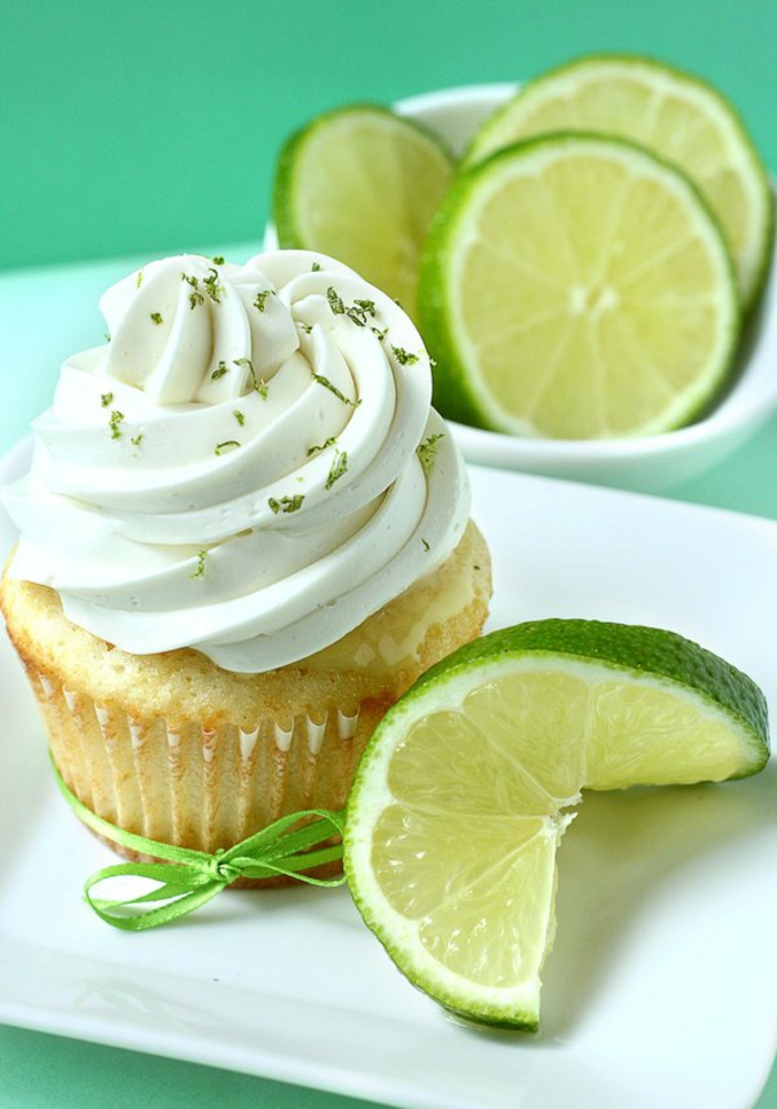Cupcake Deko ideen zitrusfrüchte sommerparty limette