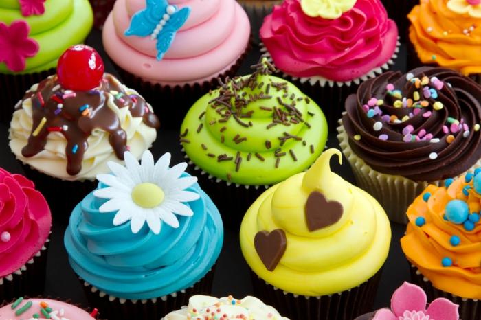 cupcake deco muffins ideen blumen kirschen herzen