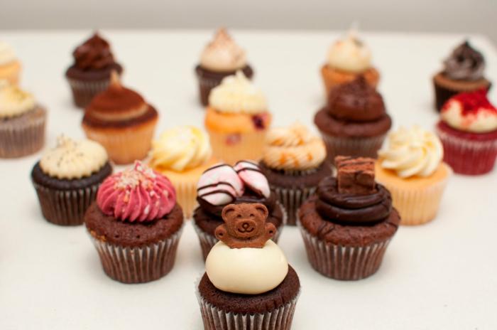 cupcake deco muffins schokolade sahne bärchen