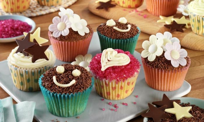 cupcake deco muffins schokostreusel sterne herzen blumen party ideen