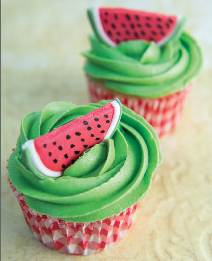 cupcake deco muffins sommer ideen grüne sahne wassermelone