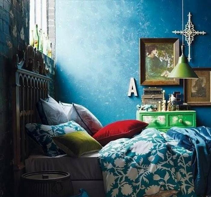farbe türkis farbgestaltung einrichtungsbeispiele trendfarbe wandgestaltung wanddesign blaugrün bunt