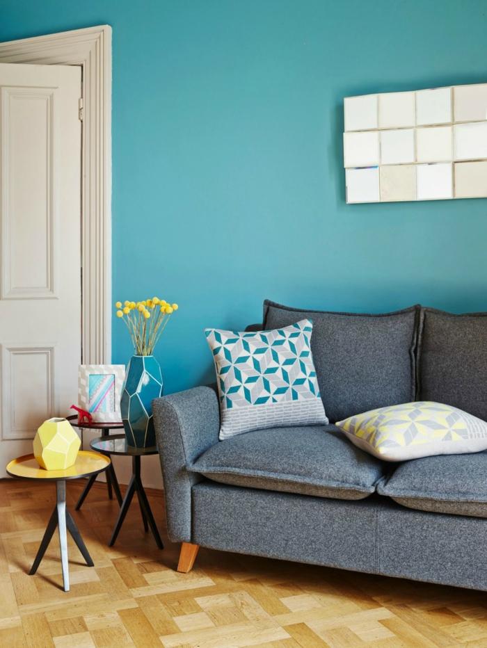 einrichtungsbeispiele trendfarbe wandgestaltung wanddesign blaugrün jung