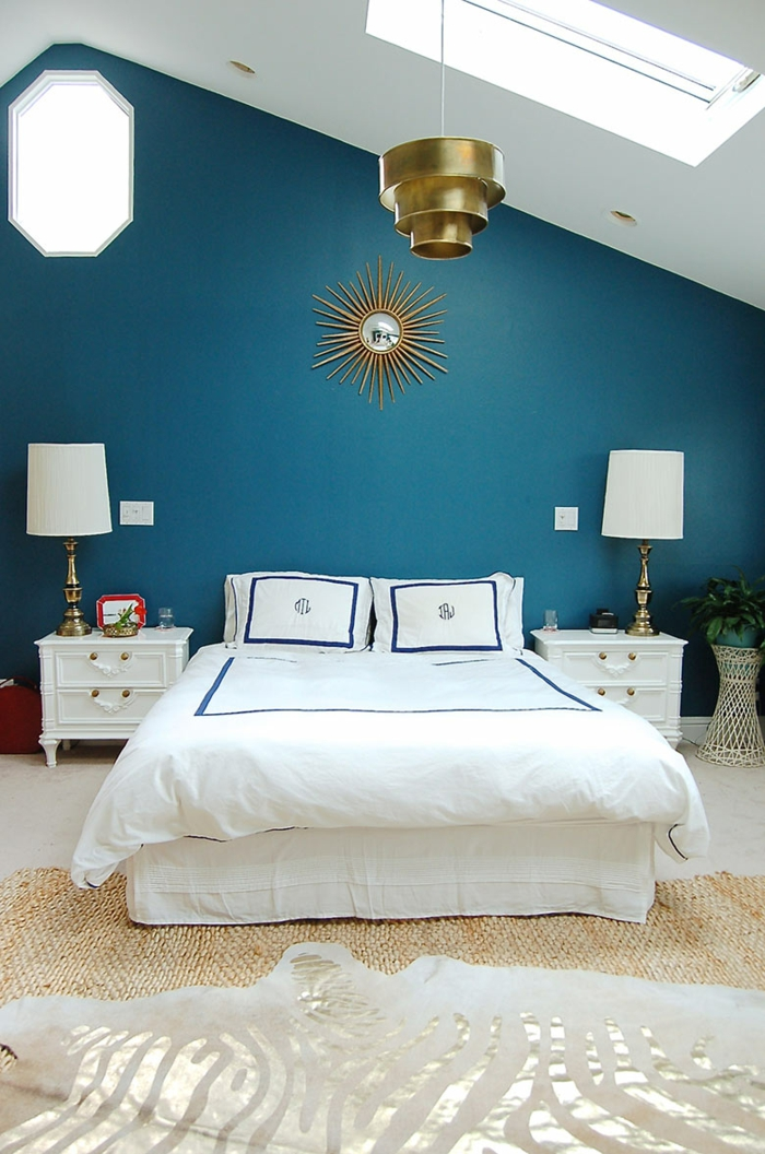 trendfarbe wandgestaltung wanddesign blaugrün schräge