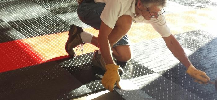 garagenfliesen garagenboden fliesen schachbrett verlegen professionell