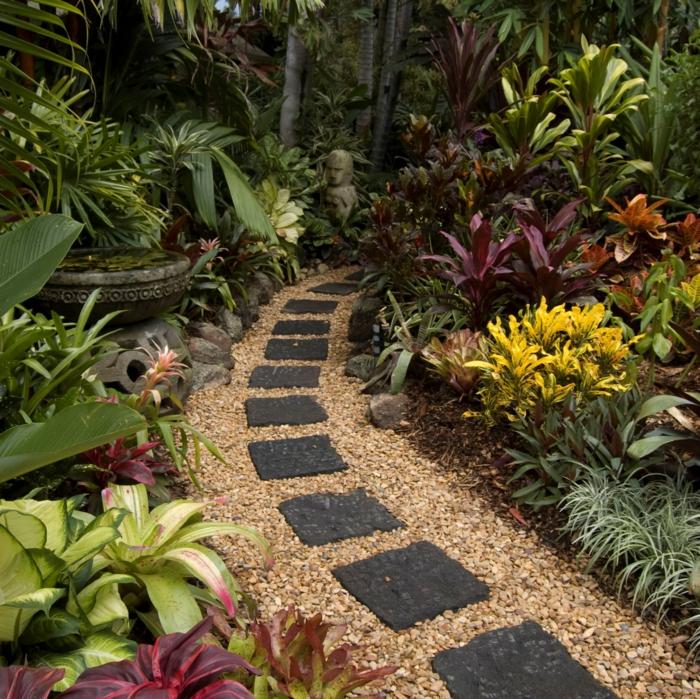 111 Gartenwege Gestalten Beispiele - 7 Tolle Materialien Für Den ... Gartenwege Aus Kieselsteinen Garten Anlegen
