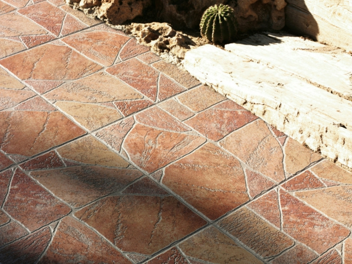gartenweg gestalten gartenwege anlegen steinoptik vorgarten weg garagenboden fliesen terra kotta