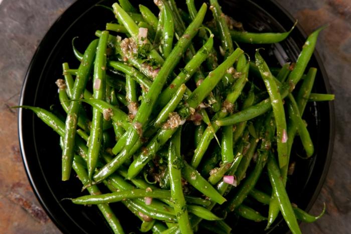gesundes essen Ayurveda ernährungsprinzipien kapha menschentyp grüne bohnen