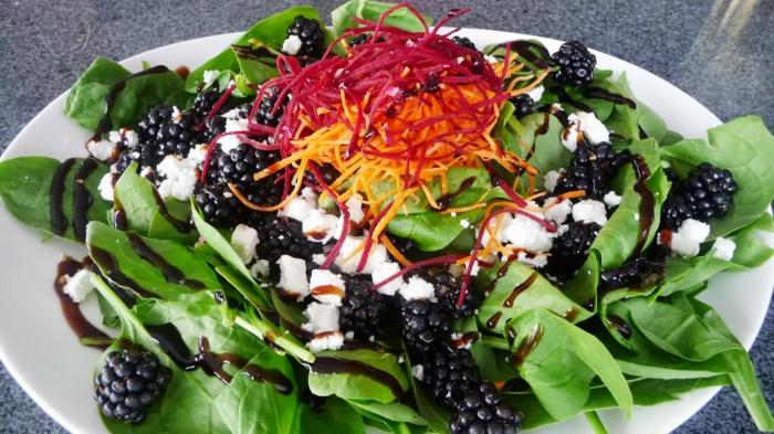 gesund essen lachs mit gemüse gewicht salat