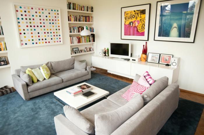 Graues Sofa Blauerteppich Wohnzimmer Gestalten Ideen Dekokissen