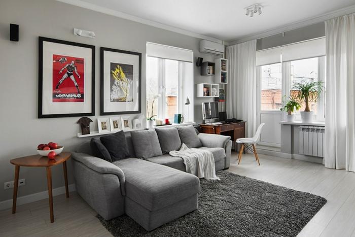 Graues Sofa Wohnzimmer Ecksofa Grauer Teppich Wanddeko Luftige Gardinen