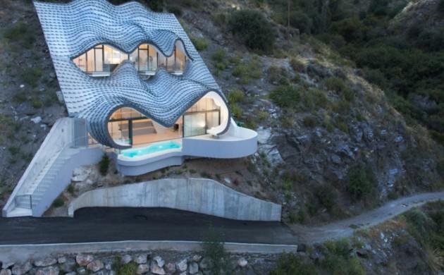 haus-am-meer-kaufen-drache-moderne-architektur-drache-spanien