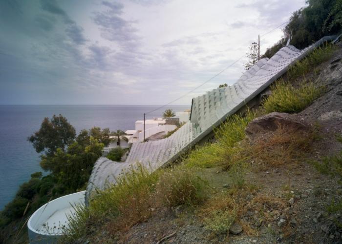 haus am meer kaufen drachendesign felsen immobilien spanien moderne architektur