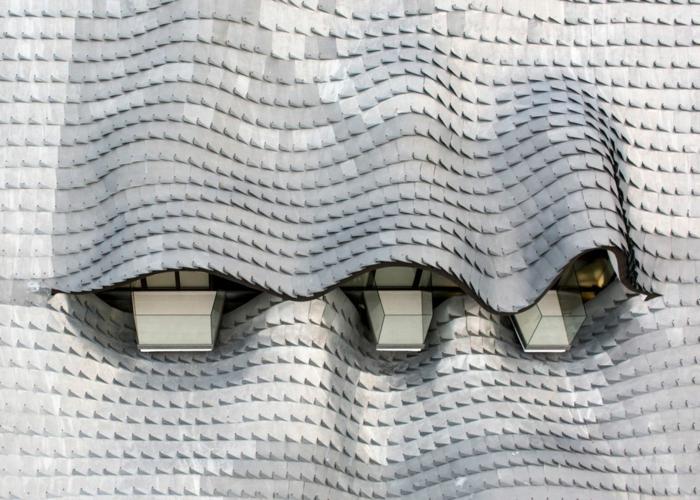 haus am meer kaufen drachendesign moderne architektur zinn dachverkleidung dachziegel