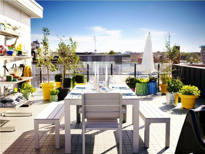 ikea gartenmöbel outdoor esstisch sitzbänke stühle weiß holz terrassenmöbel